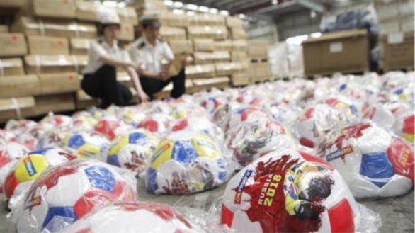 World Cup trở thành mùa 'hái tiền' tại Trung Quốc nhờ đồ giả - Ảnh 1.