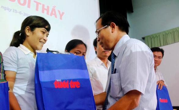 Hỗ trợ vốn cho giáo viên nghèo ở Huế - Ảnh 1.