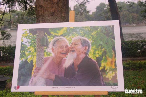Ngắm những bức hình về Hành trình tình yêu - Ảnh 1.