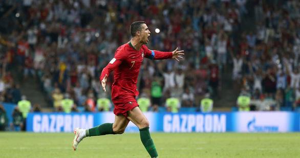 Suýt nữa siêu sao Ronaldo không thể ra đời bởi mẹ anh muốn phá thai - Ảnh 1.