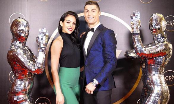 Suýt nữa siêu sao Ronaldo không thể ra đời bởi mẹ anh muốn phá thai - Ảnh 5.
