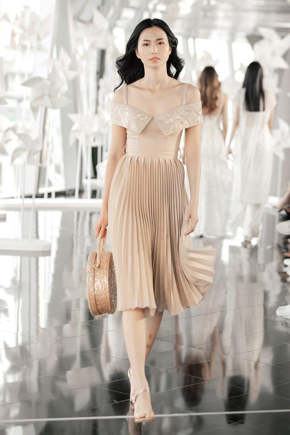 Chung Thanh Phong diễn thời trang ở tòa nhà cao nhất Việt Nam - Ảnh 4.