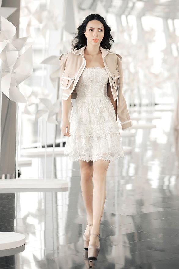 Chung Thanh Phong diễn thời trang ở tòa nhà cao nhất Việt Nam - Ảnh 5.