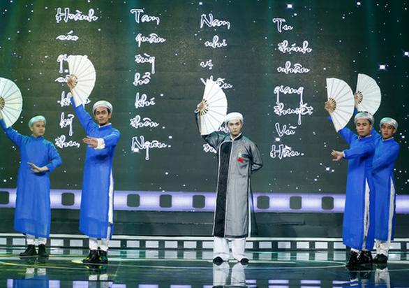 Á hậu Băng Khuê bất ngờ với giọng hát như ca sĩ ở Gương mặt điện ảnh - Ảnh 13.