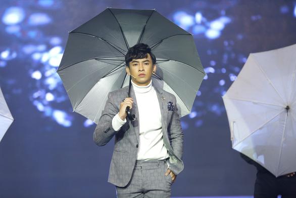 Á hậu Băng Khuê bất ngờ với giọng hát như ca sĩ ở Gương mặt điện ảnh - Ảnh 12.
