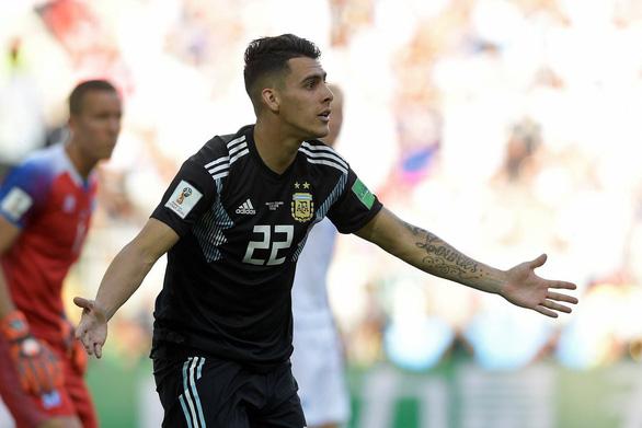 BLV hứng đá' vì so chiều cao cầu thủ Argentina với sao Hollywood - Ảnh 1.