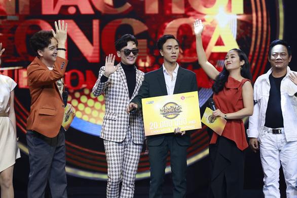 Ali Hoàng Dương giành nhất tuần 10 Nhạc hội song ca với Đường cong - Ảnh 1.