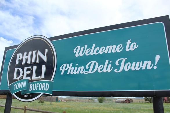 Thị trấn nhỏ nhất nước Mỹ được người Việt mua bây giờ ra sao? - Ảnh 1.