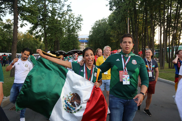 Cầu thủ Mexico ghi bàn, các bóng hồng Mexico ghi điểm - Ảnh 3.