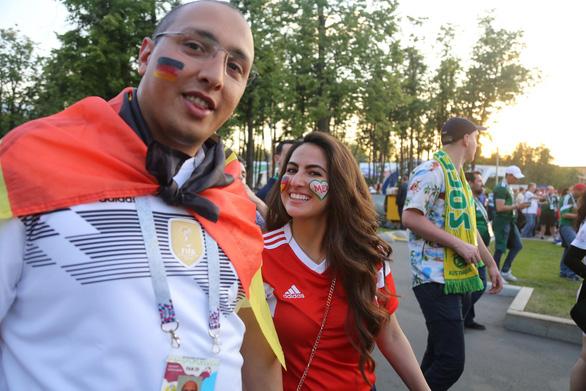 Cầu thủ Mexico ghi bàn, các bóng hồng Mexico ghi điểm - Ảnh 7.