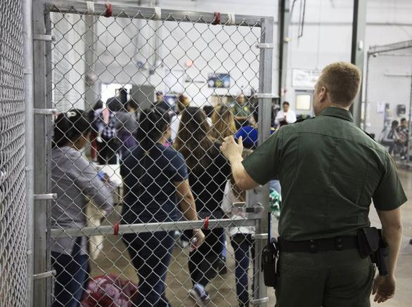 Đệ nhất phu nhân Melania Trump phản đối chính sách nhập cư của chồng - Ảnh 2.