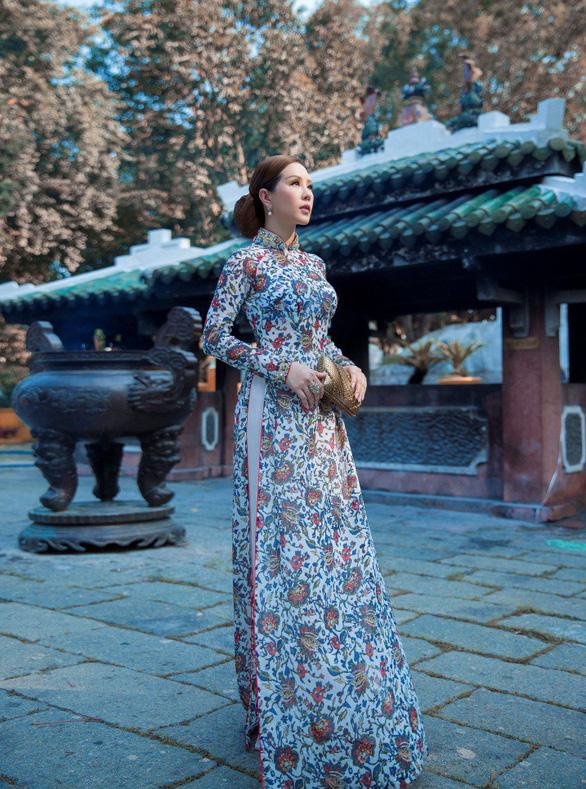 Hoa hậu Thu Hoài bất ngờ thành nàng thơ của Công Trí - Ảnh 1.