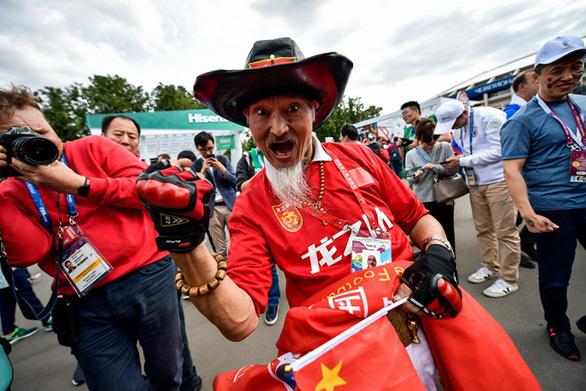 Du khách Trung Quốc bị từ chối vào sân World Cup vì mua phải vé giả - Ảnh 2.