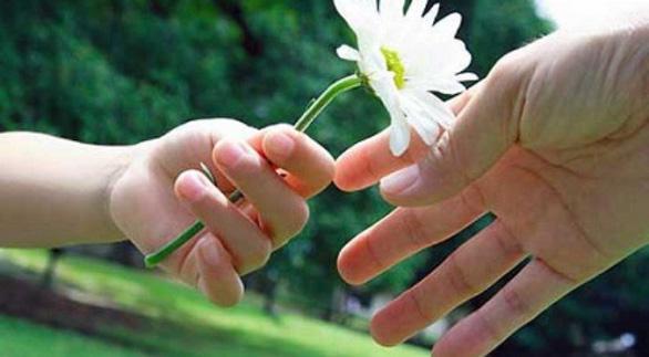 Hạnh phúc là sự cho đi - Ảnh 1.