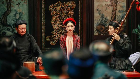 Jun Vũ hát ả đào, Đinh Ngọc Diệp hoang mang với teaser Người bất tử - Ảnh 1.