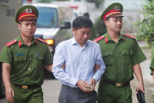 Xử phúc thẩm ông Đinh La Thăng trong vụ PVN mất 800 tỉ - Ảnh 4.