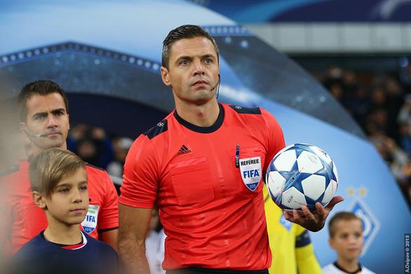 Lục tung hồ sơ trọng tài đẹp trai phạt thẻ đỏ Colombia phút thứ 3 - Ảnh 1.