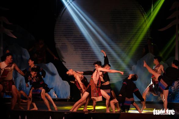 Đà Lạt đêm huyền diệu và sân khấu du lịch đầu tiên ở xứ hoa - Ảnh 1.