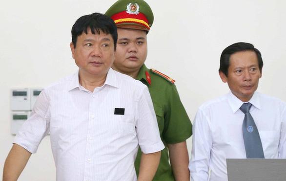 Phiên xử phúc thẩm ông Đinh La Thăng bất ngờ tạm dừng - Ảnh 1.