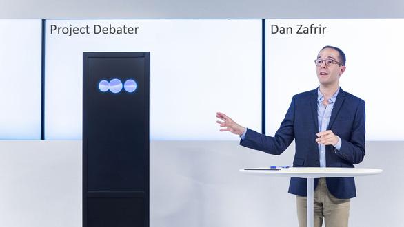 AI của IBM 'đánh bại' người trong tranh luận - Ảnh 1.