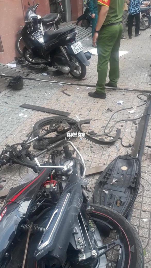 Nổ tại trụ sở Công an phường 12 Tân Bình, 1 nữ cán bộ bị thương - Ảnh 3.