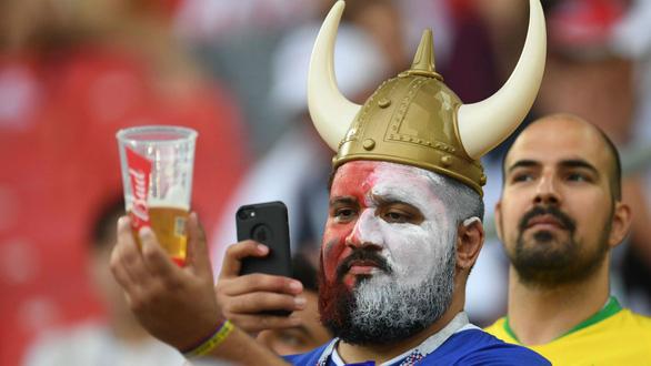 World Cup 2018 làm thủ đô Nga khủng hoảng vì… thiếu bia - Ảnh 4.