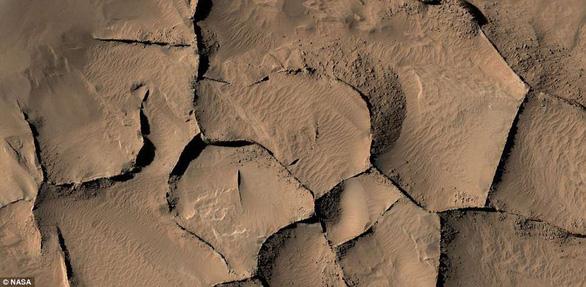 Dấu vết người ngoài hành tinh từng ghé sao Hỏa? - Ảnh 3.