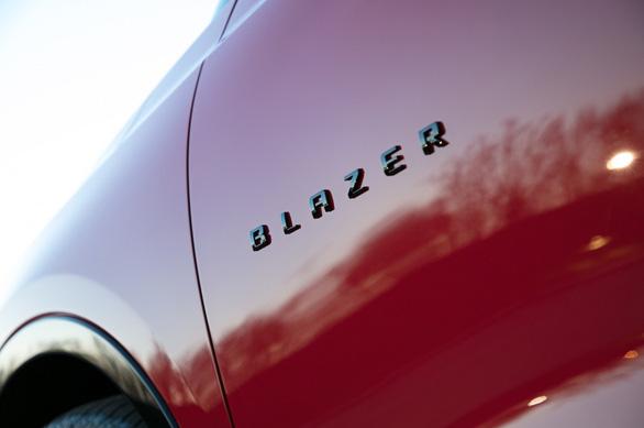 Chevrolet ra mắt mẫu xe nổi tiếng một thời Blazer với nhiều nét mới - Ảnh 7.
