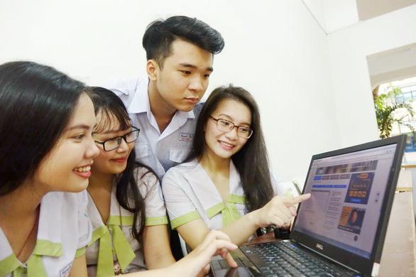 Đón xem bài giải, điểm thi THPT quốc gia 2018 trên Tuổi Trẻ Online - Ảnh 1.
