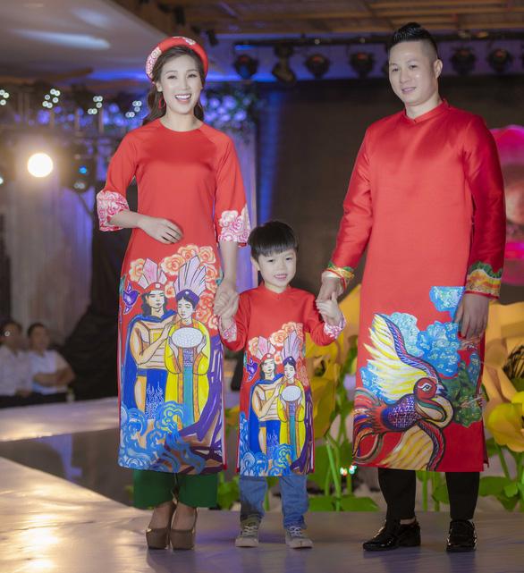 Chị 'Nguyệt thảo mai' lần đầu kể chuyện cổ tích bằng áo dài - Ảnh 5.