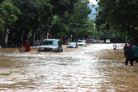 Thủ tướng chỉ đạo khắc phục hậu quả mưa lũ tại các tỉnh phía Bắc - Ảnh 1.