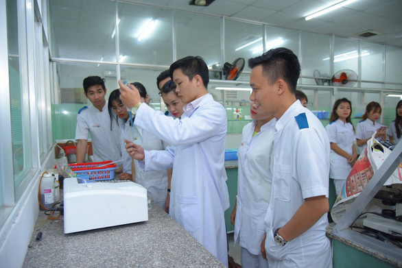 Trường CĐ Đại Việt Sài Gòn ký hợp đồng việc làm với SV ngay khi nhập học - Ảnh 2.