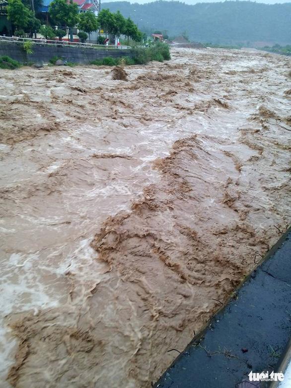 1 người mất tích, 6 người bị thương do mưa lũ miền núi phía Bắc - Ảnh 9.