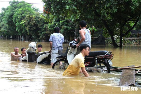 Hà Giang bị mưa lũ chia cắt, 2 người thiệt mạng - Ảnh 2.