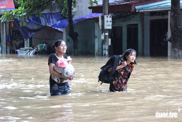 Hà Giang bị mưa lũ chia cắt, 2 người thiệt mạng - Ảnh 1.