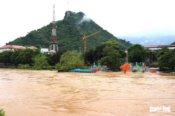 Hà Giang bị mưa lũ chia cắt, 2 người thiệt mạng - Ảnh 3.