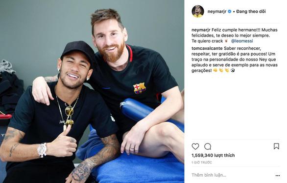 Giữa tâm bão, Messi đón sinh nhật với rừng động viên - Ảnh 4.