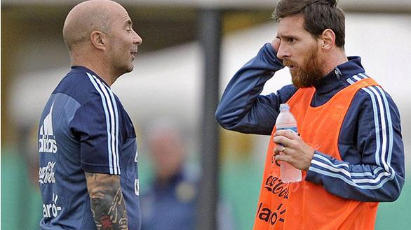 Ở tuổi 31, Messi sợ nhất Maradona, Ronaldo hay... Sâm Bổ Lượng? - Ảnh 2.