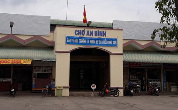 Sẽ chấn chỉnh bảo vệ chợ An Bình cản trở phóng viên VTV - Ảnh 2.