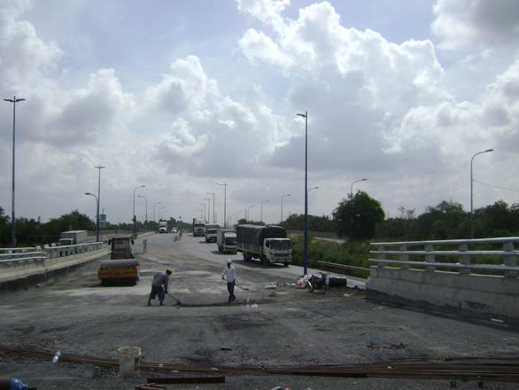 29-6 thông xe cầu vượt Mỹ Thủy, giải tỏa kẹt xe khu Cát Lái - Ảnh 1.