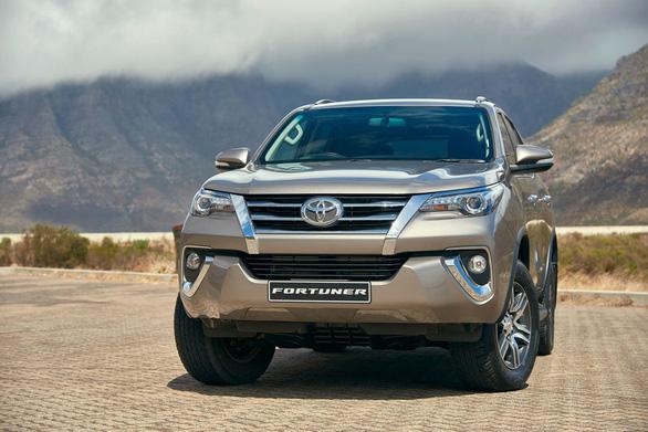 Toyota Fortuner 2018 tăng giá dù thuế đã về 0% - Ảnh 1.