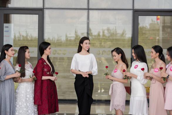 Hoa hậu Việt Nam 2018 bắt tay thực hiện dự án nhân ái - Ảnh 1.