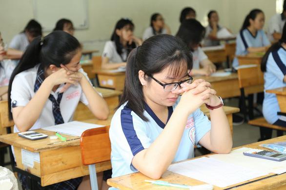 Gần 350.000 thí sinh vào ngày thứ 2 thi THPT quốc gia - Ảnh 8.