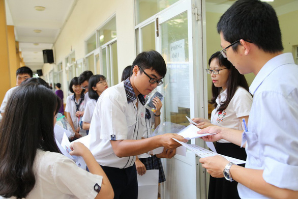 Gần 350.000 thí sinh vào ngày thứ 2 thi THPT quốc gia - Ảnh 7.