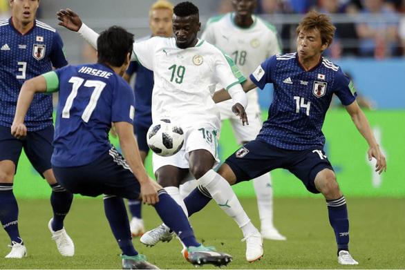 World Cup 2018: Fan Trung Quốc ghen tị, muốn được giống Nhật và Hàn - Ảnh 3.