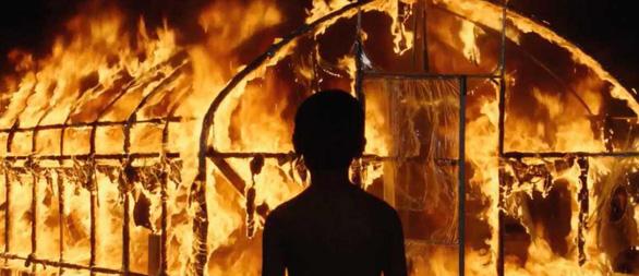 Burning của Lee Chang Dong: Khi tuổi trẻ hoang hoải và bất an - Ảnh 9.