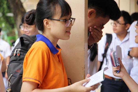 Gần 350.000 thí sinh vào ngày thứ 2 thi THPT quốc gia - Ảnh 5.