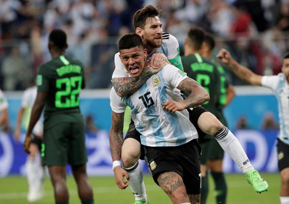 Lập siêu phẩm, Messi bây giờ mới bắt đầu World Cup! - Ảnh 14.