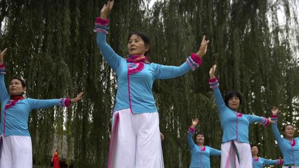 Phụ nữ Trung Quốc luyện công dung ngôn hạnh kỷ nguyên Tập Cận Bình - Ảnh 4.