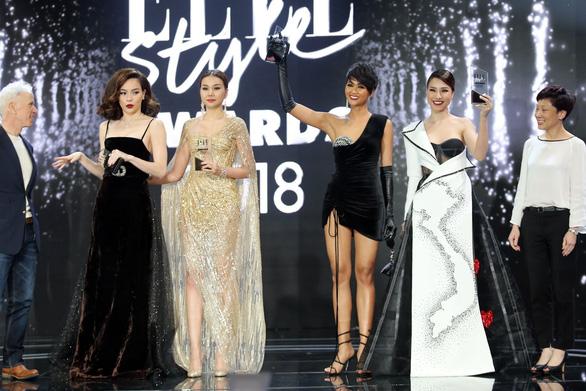 Hồ Ngọc Hà lại là biểu tượng thời trang, Ngô Thanh Vân Phụ nữ của năm - Ảnh 12.